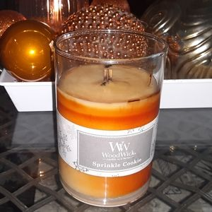 Woodwick Crackling Sprinkle Cookie Candle…